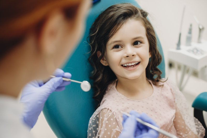 Young girl with children's dentist in Ardmore
